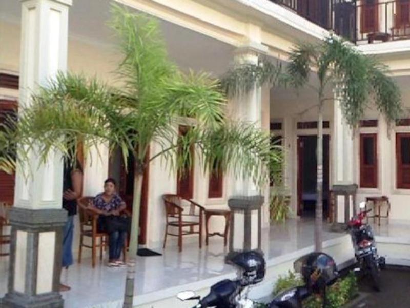 Warung Coco Poppies 2 Hotel