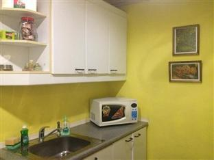 Suite 5C LPL Tower Serviced Apartments Manila - Common Kitchen