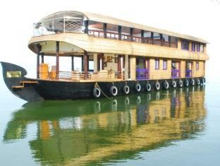 Pournami Houseboats - Alleppey
