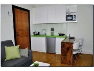 The Peak Tower Apartment Manila - Kitchen