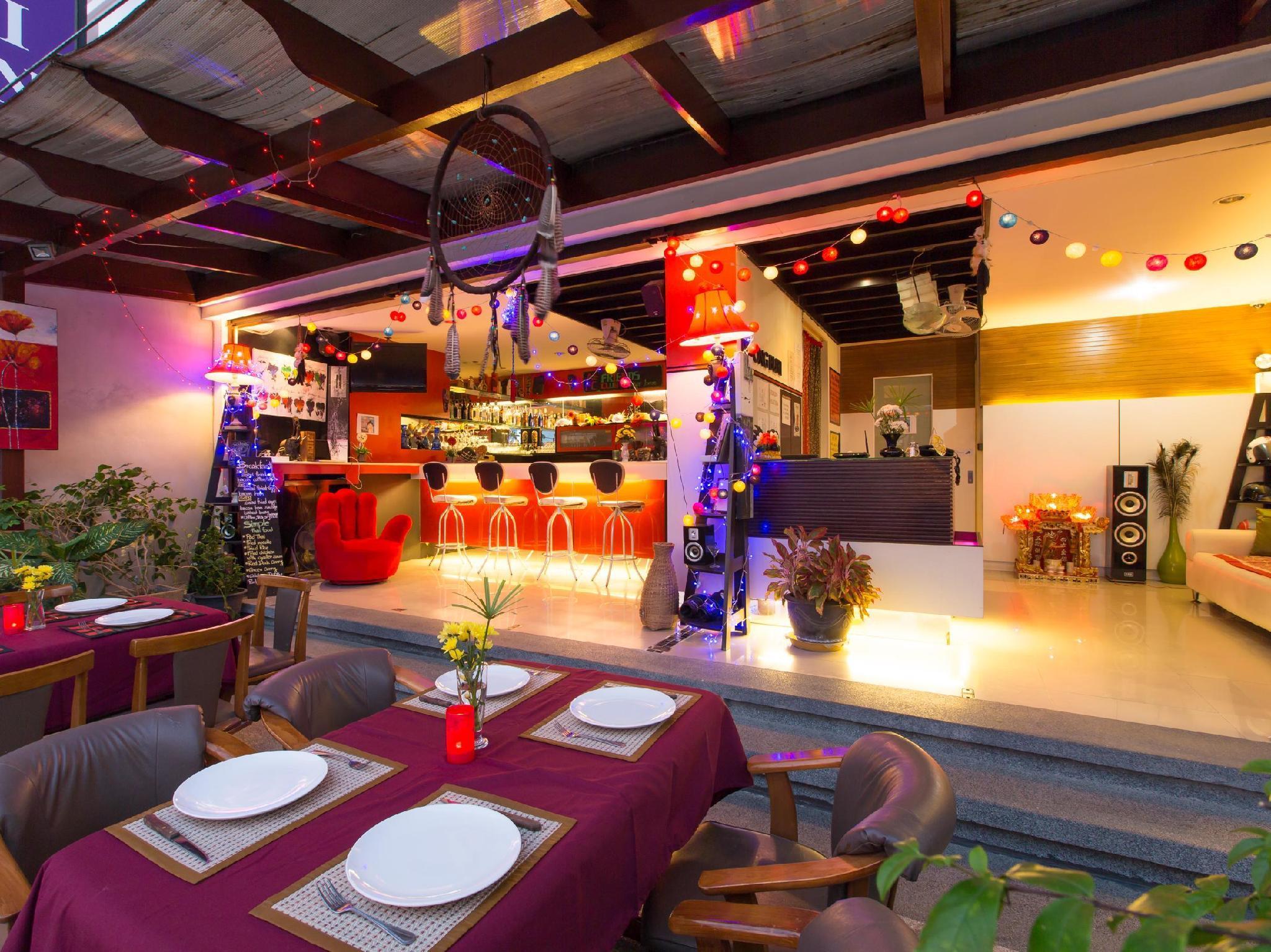 Hotell Patong Buri Hotel i Patong, Phuket. Klicka för att läsa mer och skicka bokningsförfrågan