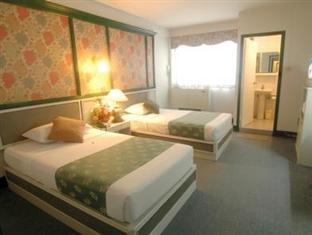 โรงแรมไฮเวย์