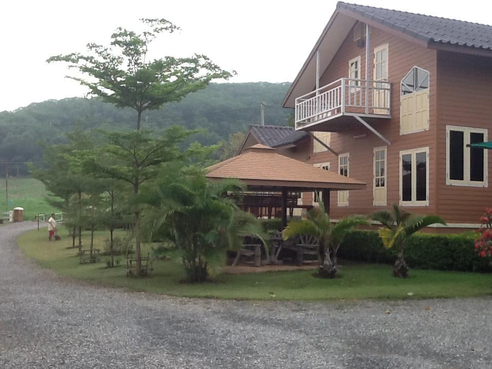 Hotell Wuttiwan Resort i , Khao Yai / Nakhonratchasima. Klicka för att läsa mer och skicka bokningsförfrågan