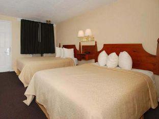Quality Inn Suites Lancaster Hotel Lancaster (PA) - Suite Room