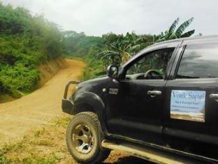 Verde Safari Excursions Bed and Breakfast El Nido - 4x4 Hilux for Transfer from Town to Verde Safari