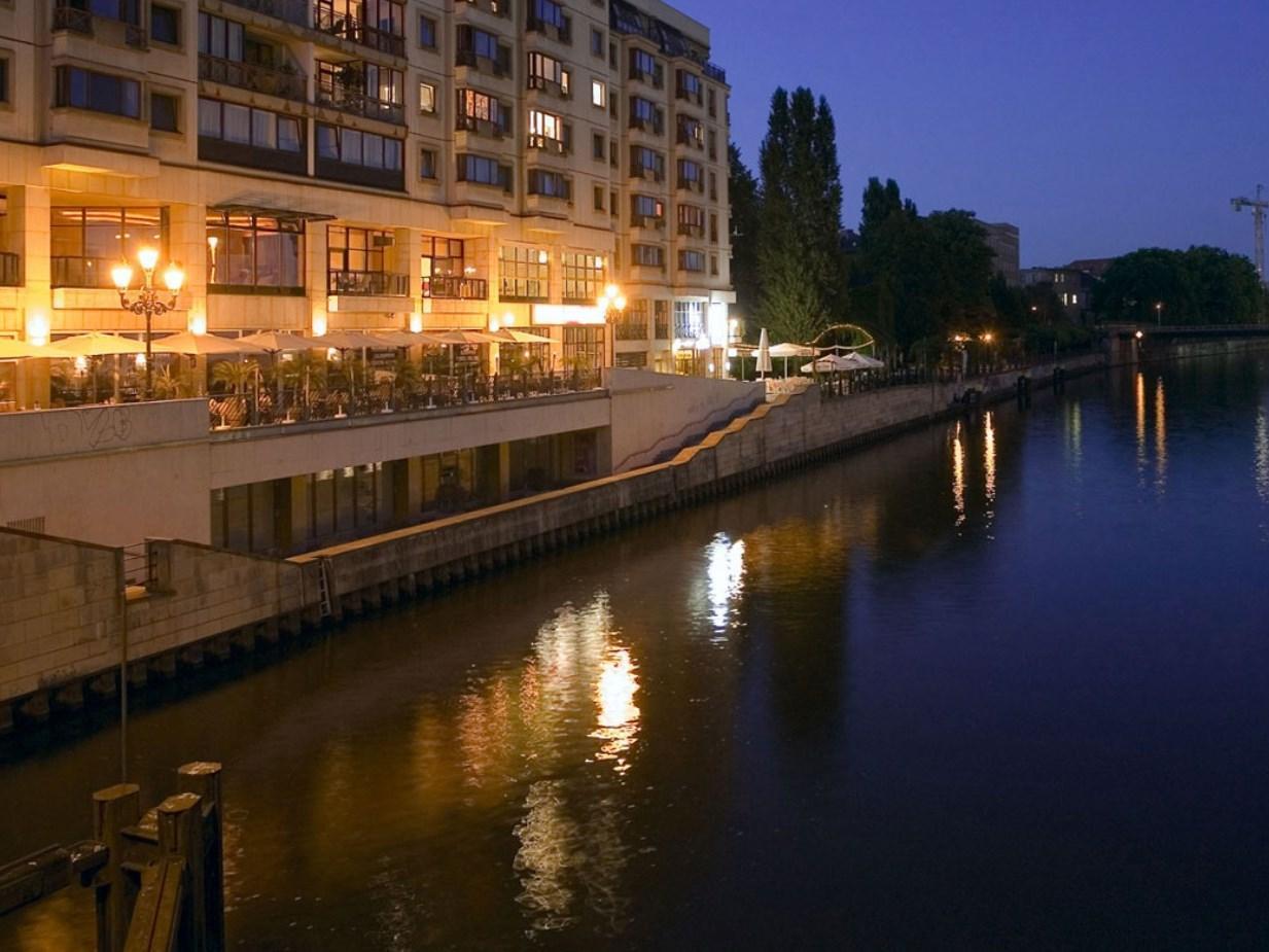 Riverside Royal Hotel & Spa Берлін