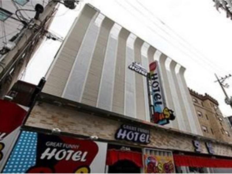 โรงแรม บัสโฮเต็ล  (Bus Hotel)
