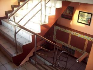 Jackarde Suites Manila - Staryway