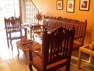 Jackarde Suites Manila - lobby