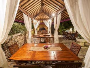Lembongan Island Beach Villas Bali - Food, drink and entertainment