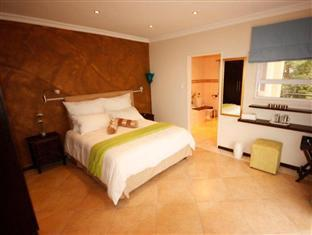 Lumley's Place Bed and Breakfast Stellenbosch - Blue Gecko Room