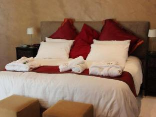 Lumley's Place Bed and Breakfast Stellenbosch - Kliphuis Room