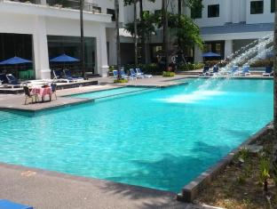Century Helang Hotel Langkawi - Swimming Pool
