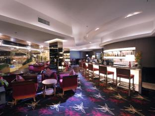 Grand Margherita Hotel Kuching - Food, drink and entertainment