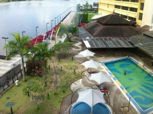 Grand Margherita Hotel Kuching - Basen