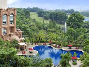 Putrajaya Marriott Hotel Kuala Lumpur - Swimming Pool