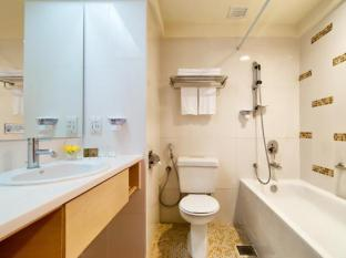 Theme Park Hotel Genting Highlands - Deluxe Room Bathroom