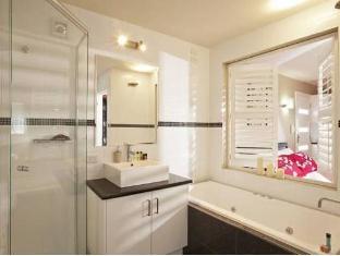 Trentham Manor Trentham - Bathroom