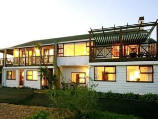 Clovelly Lodge Guest Apartments | Cheap Hotels in Cape Town South Africa