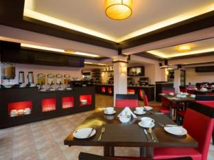 Deltin Suites North Goa - Food, drink and entertainment