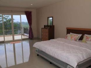 Villa Green Lake Parahyangan Bandung - Guest Room