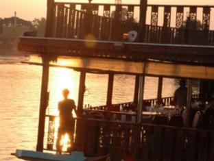 Riverview Place Hotel Ayutthaya - Surroundings