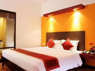 All Seasons Naiharn Phuket Hotel פוקט - חדר שינה