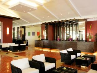 All Seasons Naiharn Phuket Hotel פוקט - לובי