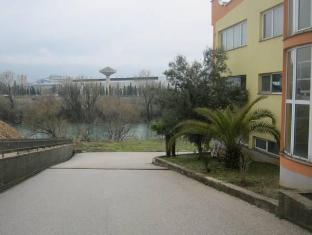 Motel Xxl Glamour Mostar - Exterior