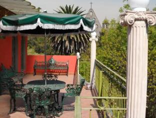 Suites Royal Colonial Guest House Mexico City - Balcony/Terrace