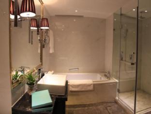 Lee Garden Apartment Beijing - Bathroom