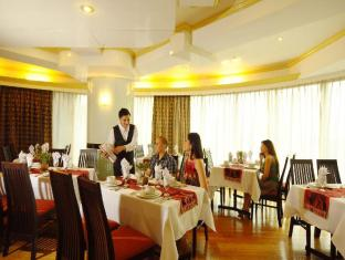 Best Western Oxford Suites Makati Manila - Food, drink and entertainment