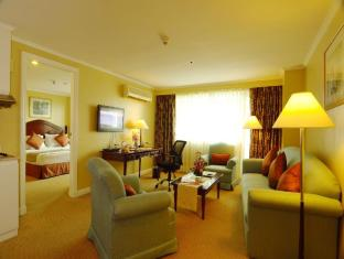 Best Western Oxford Suites Makati Manila - 1 Bedroom Suite