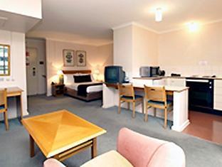 Oaks Hyde Park Plaza Hotel - Room type photo