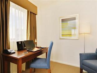 Quest West End Serviced Apartments - Room type photo