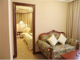 Metropole Hotel - Room type photo
