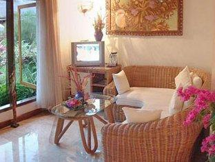 Bali Royal Suites Bali - Deluxe Suite Living Room