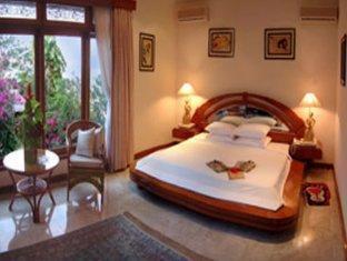 Bali Royal Suites Bali - Nirwana Suite Bedroom