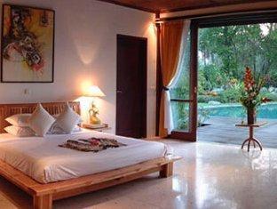 Bali Royal Suites Bali - Villa Hemingway Bedroom