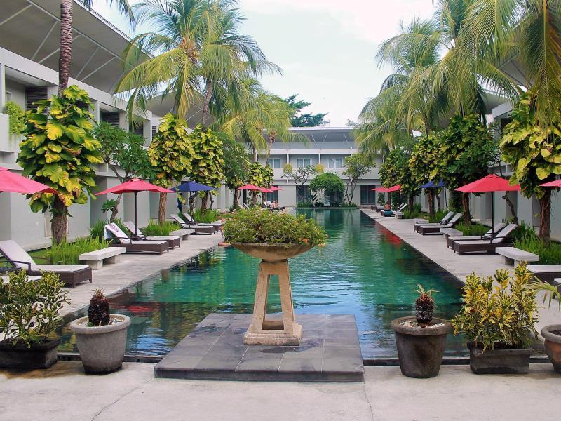 The Oasis Kuta Hotel Bali - Swimming pool
