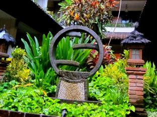 Ari Putri Hotel Bali - Water Fountain