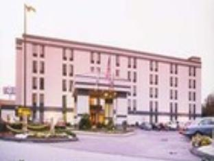 Baymont Inn & Suites Augusta West Hotel
