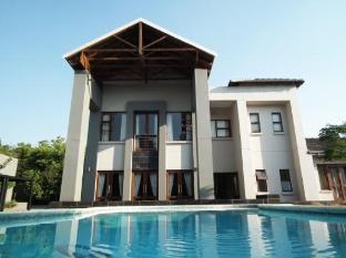 Tamboti Lodge (Guest House)