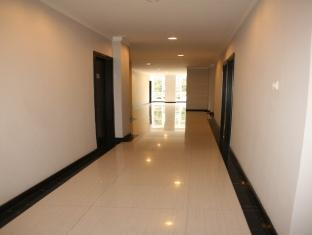 Hotel N3 Jakarta - Corridor