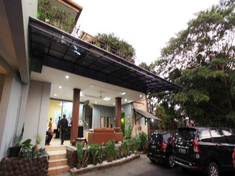 Maven Buncit Hotel - Hotels and Accommodation in Indonesia, Asia