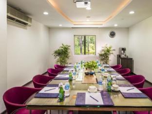 ONE15 Marina Club Szingapúr - Tárgyaló