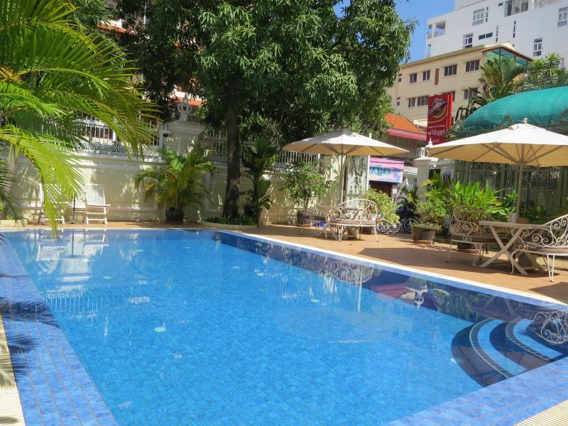 Ave-GRAN Hotel