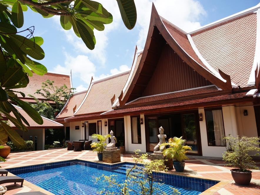 Hotell Sirinthara Villa i Naiharn, Phuket. Klicka för att läsa mer och skicka bokningsförfrågan