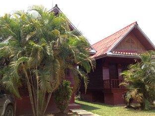 Three Sisters Resort