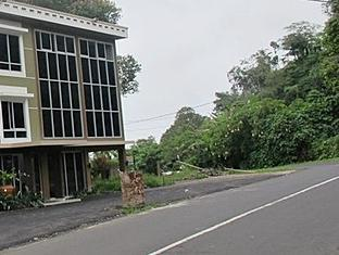Jhoanie Hotel picture